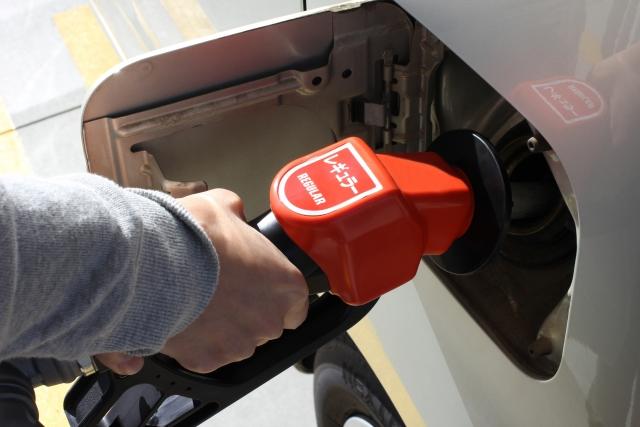 Image of セルフのガソリンスタンドの入れ方!給油手順