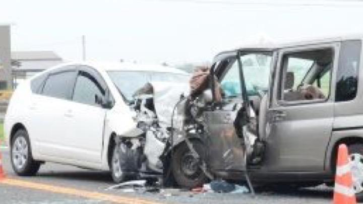 Image of 【危険!】プリウスやアクアなどハイブリッド車の事故には近づくな!感電の恐れあり